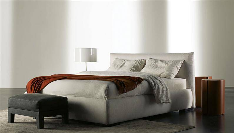 Classical beds reinterpreted with contemporary lines by Meridiani