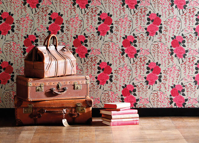 A refined wallpaper - able to turn your room in an artistical space