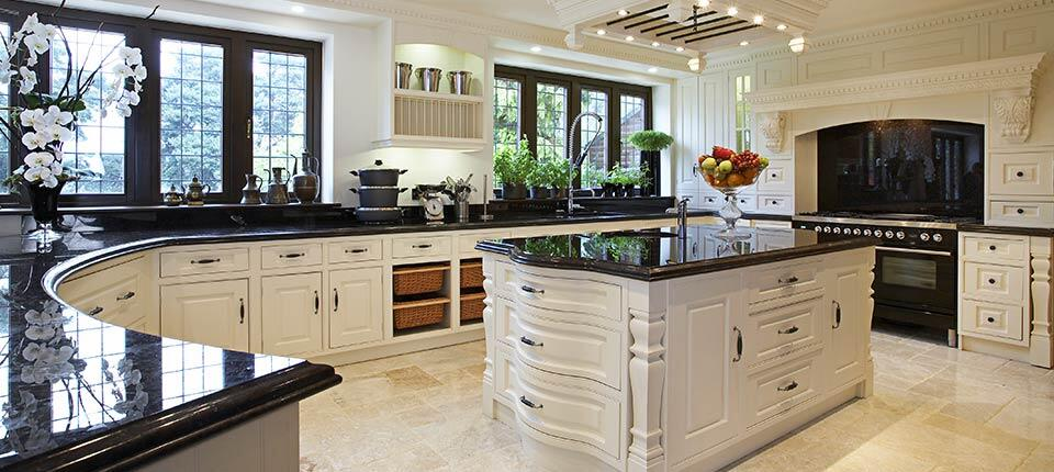 Classical kitchen with modern design integrated in a Georgian style (3)
