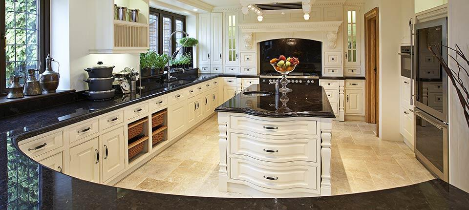 Classical kitchen with modern design integrated in a Georgian style (4)