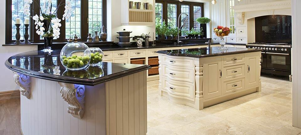 Classical kitchen with modern design integrated in a Georgian style (6)