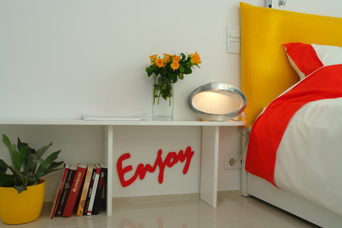 Color and light in a dream apartment from Budapest (6)