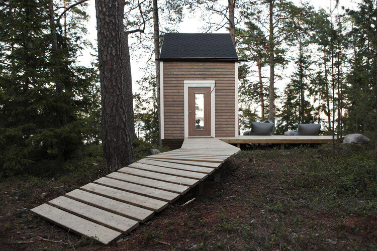 Small cabin in the woods made by designer Robin Falck (1)