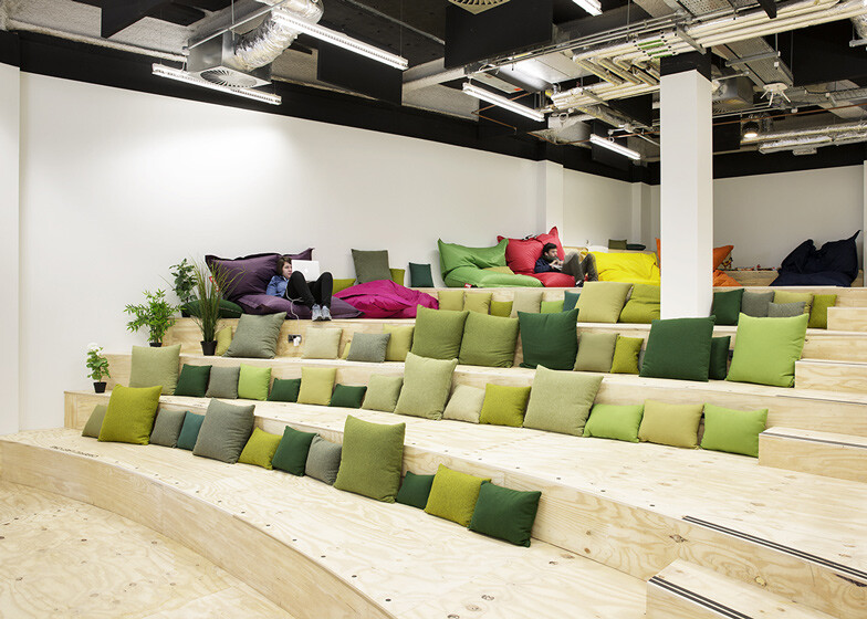 Airbnb Offices in Dublin, by Heneghan Peng (10)
