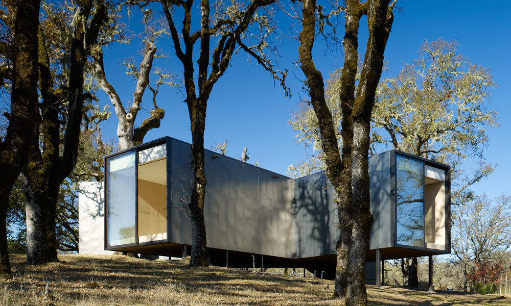 Moose Rd House- low cost, durability and environmental protection by Mork Ulnes Architects (1)