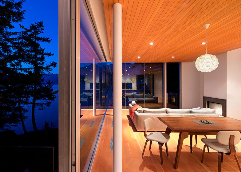 Gambier Island House - where beauty and silence reign  by McFarlane Green Biggar Architects (12)