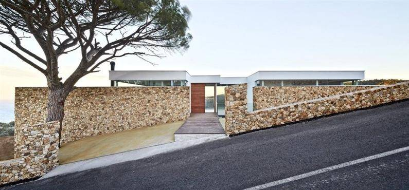 Juncal & Rodney House by Pepe Gascon Arquitectura (Custom)