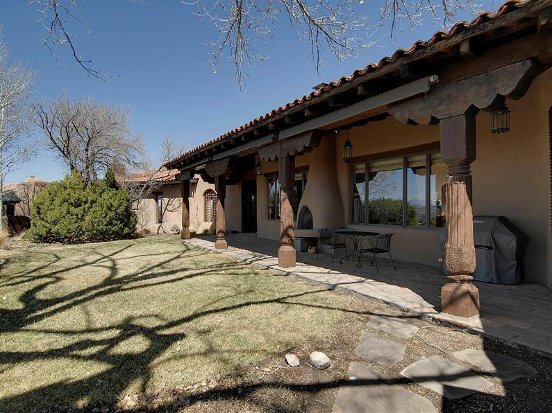 Magnificent mansion in Santa Fe, by John Midyette (12) (Custom)