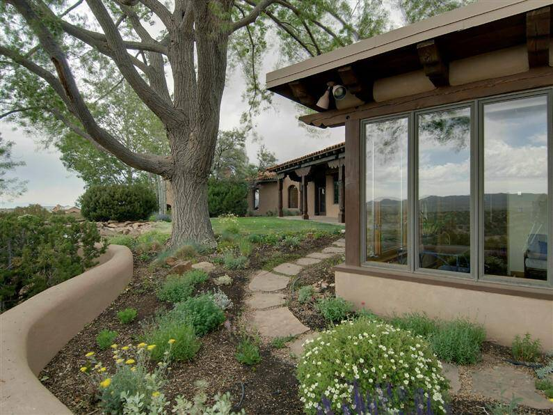 Magnificent mansion in Santa Fe, by John Midyette (15) (Custom)