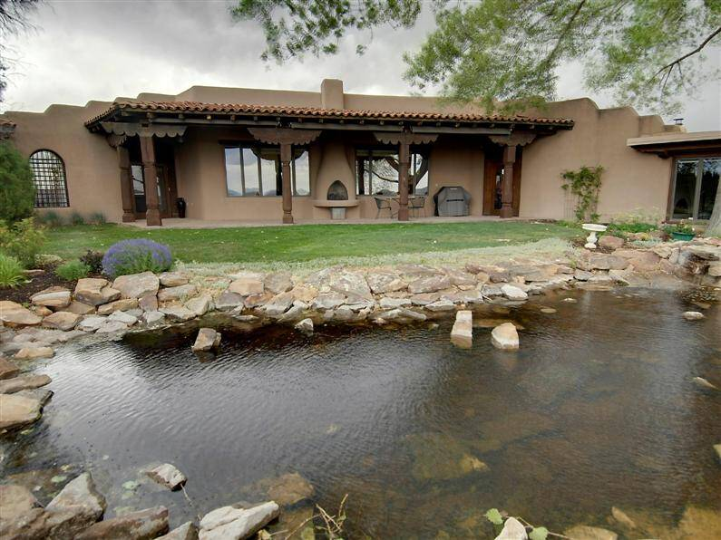 Magnificent mansion in Santa Fe, by John Midyette (16) (Custom)