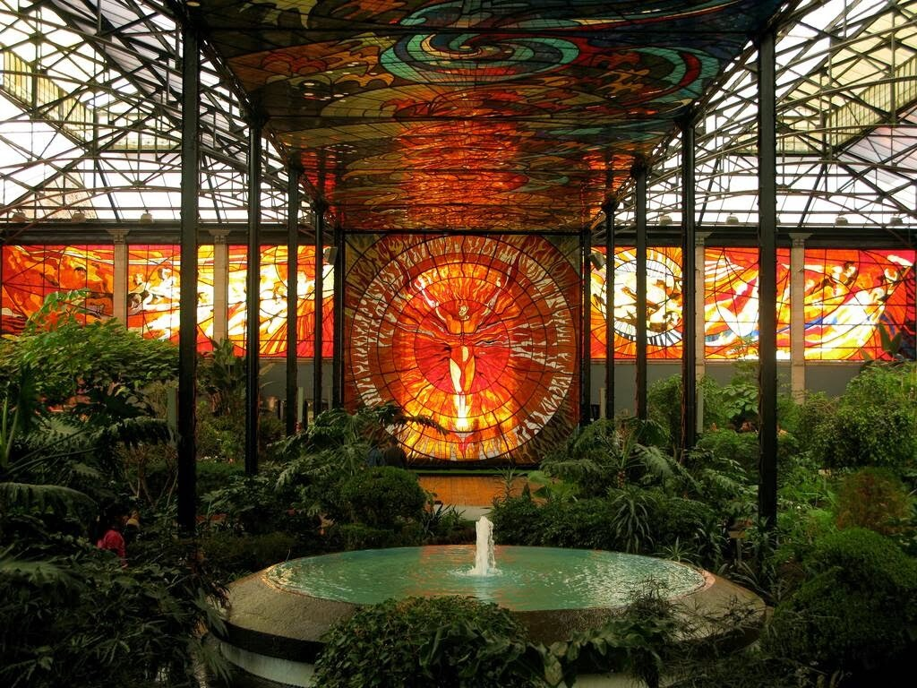Cosmovitral Toluca Mexico stained glass botanical garden - www.homeworlddesign.com (5)