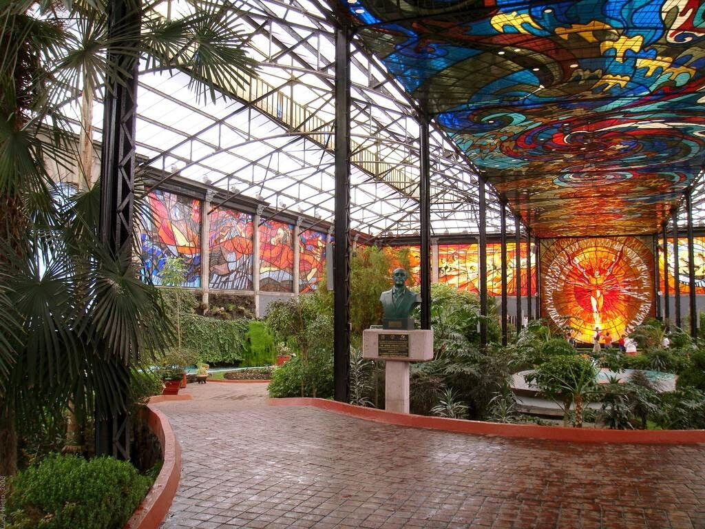 Cosmovitral Toluca Mexico stained glass botanical garden - www.homeworlddesign.com (7)