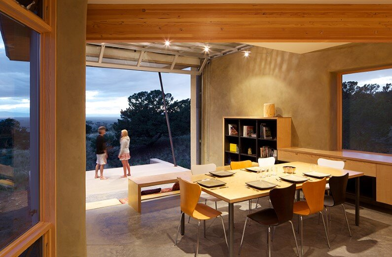 Strawbale Getaway by Gettliffe Architecture - www.homeworlddesign.com (2)