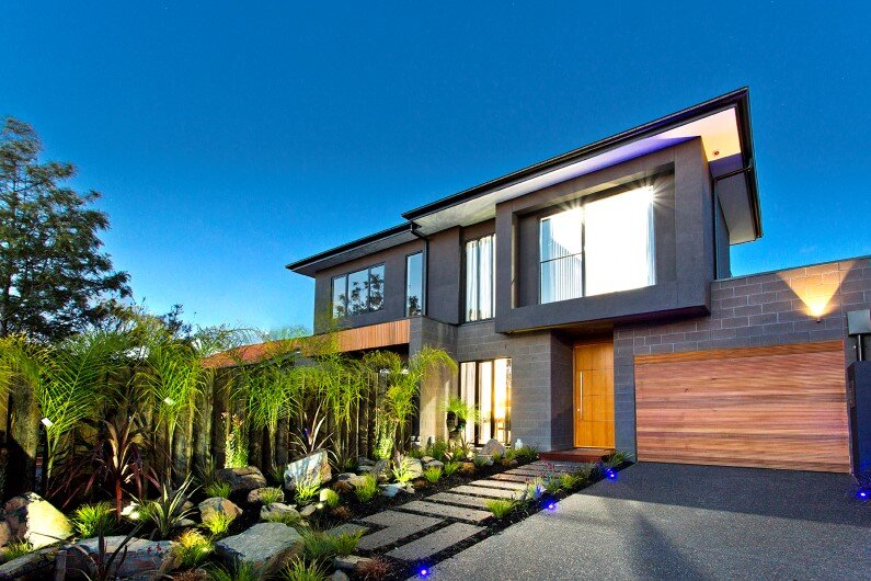 Splendid stylistic conception and impeccable finishes by Knight Building Group - www.homeworlddesign.com  (2)