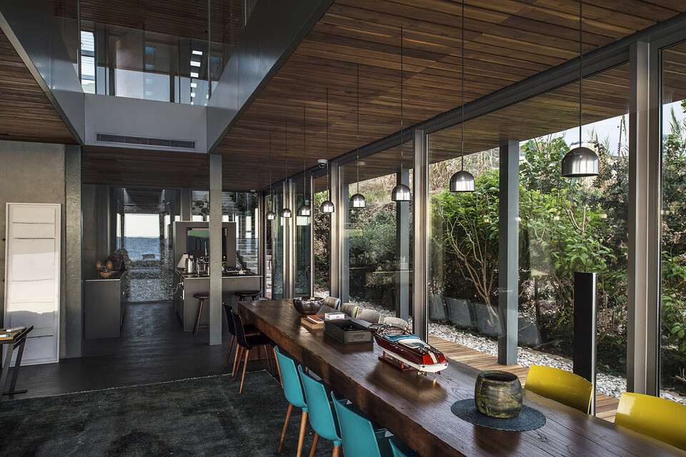 Amchit Residence by Blankpage Architects - www.homeworlddesign. com  (3)