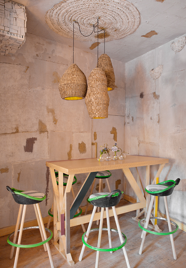 Mama Campo restaurant eclectic design with decors and pastel shades - www.homeworlddesign. com (10)