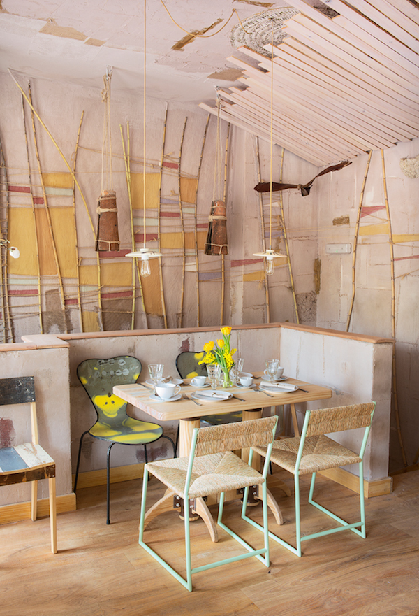 MamaCampo restaurant eclectic design with decors and pastel shades - www.homeworlddesign. com (5)