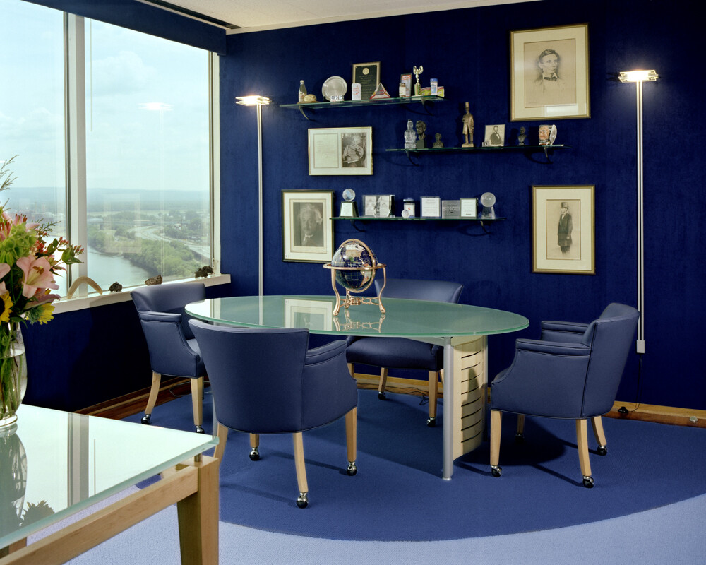 Painting Room With Hues Of Blue - www.homeworlddesign. com (15)