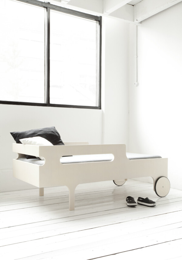 R toddler bed by Rafa Kids - modern, playful and functional toddler bed - www.homeworlddesign (11)