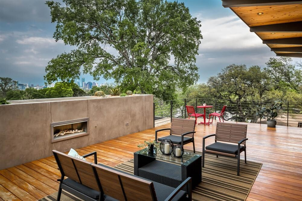 Barton Hills House Modern Architecture And Spacious Roof Deck