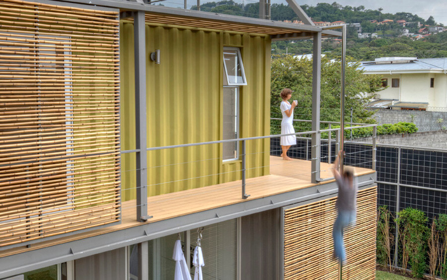 Shipping container house Incubo by Maria Jose Trejos - HomeWorldDesign (12)