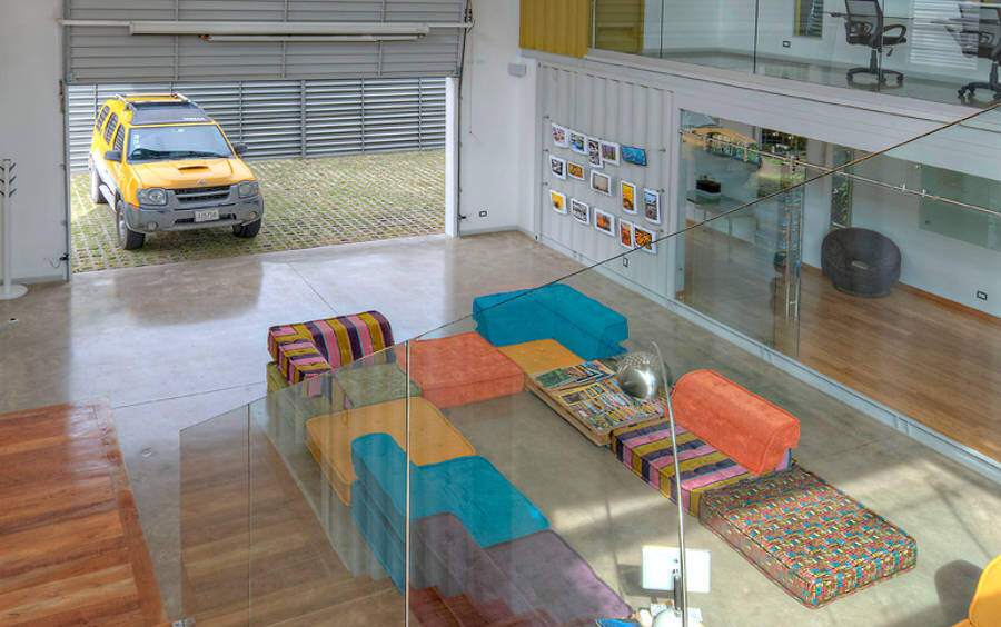Shipping container house Incubo by Maria Jose Trejos - HomeWorldDesign (19)