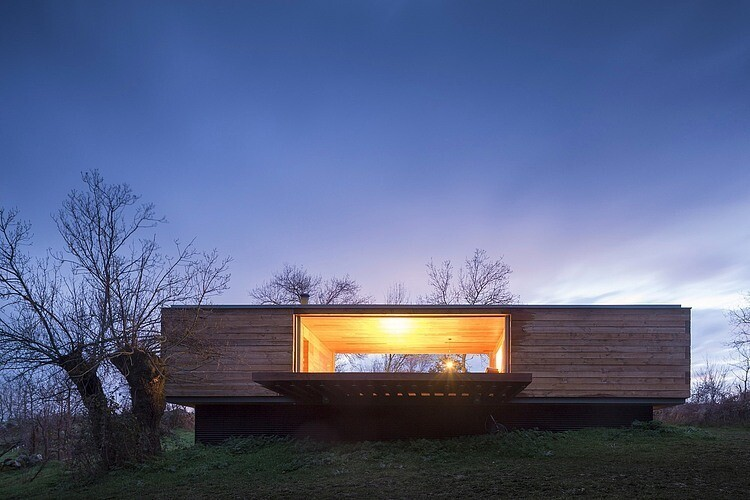 House by ch+qs arquitectos inspired by the fields with yellow flowers - HomeWorldDesign  (15)