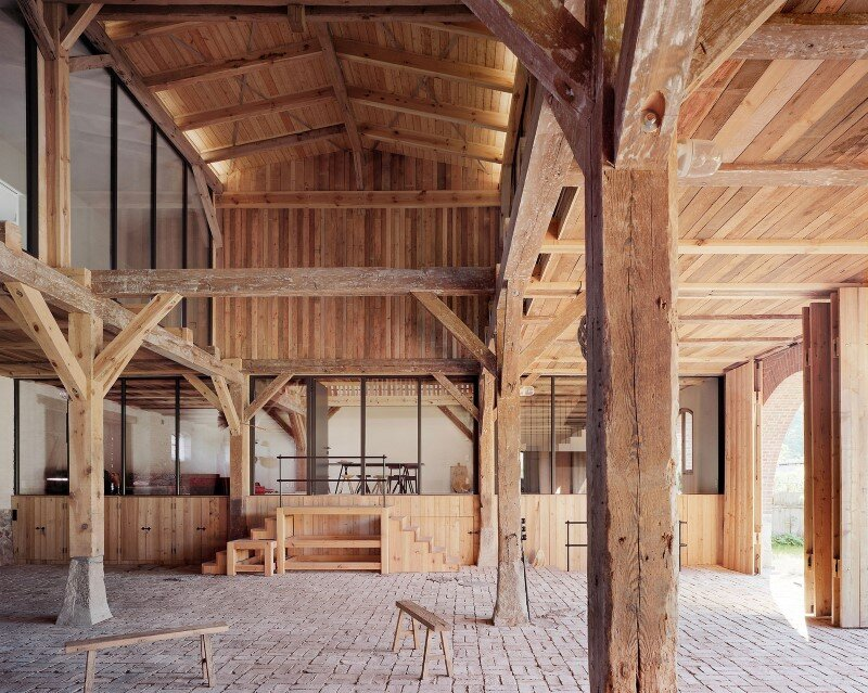 Red Barn by Thomas Kroger converting a barn in an attractive holiday destination - HomeWorldDesign (15) (Custom)