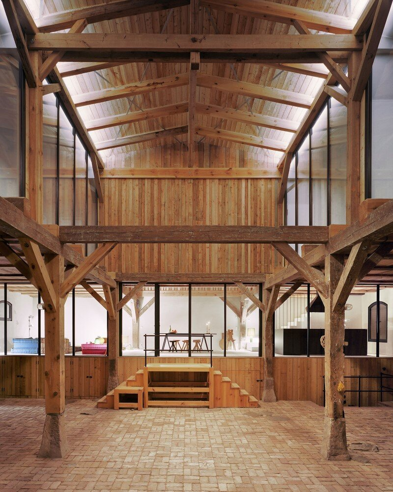 Red Barn by Thomas Kroger converting a barn in an attractive holiday destination - HomeWorldDesign (18) (Custom)