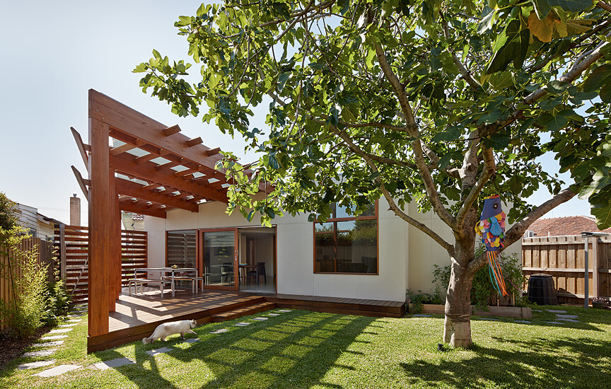 Crib and Chock House extension of residence by Windust Architects - HomeWorldDesign (2)