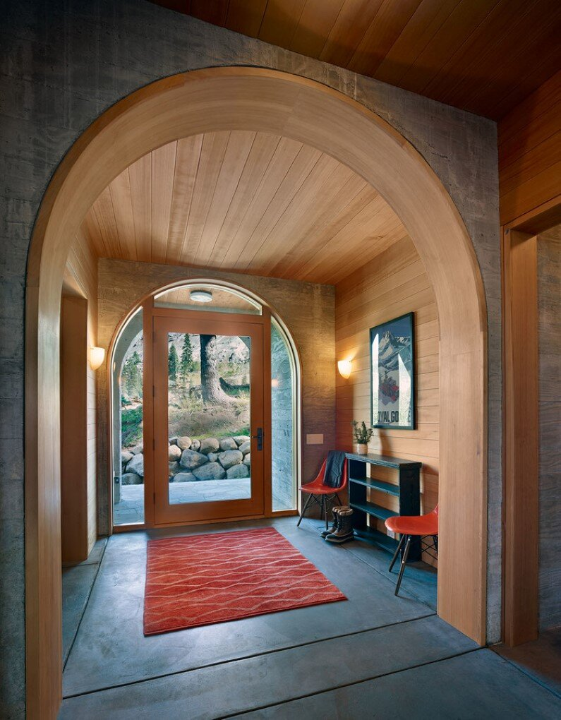 Vacation cabin in California - entry