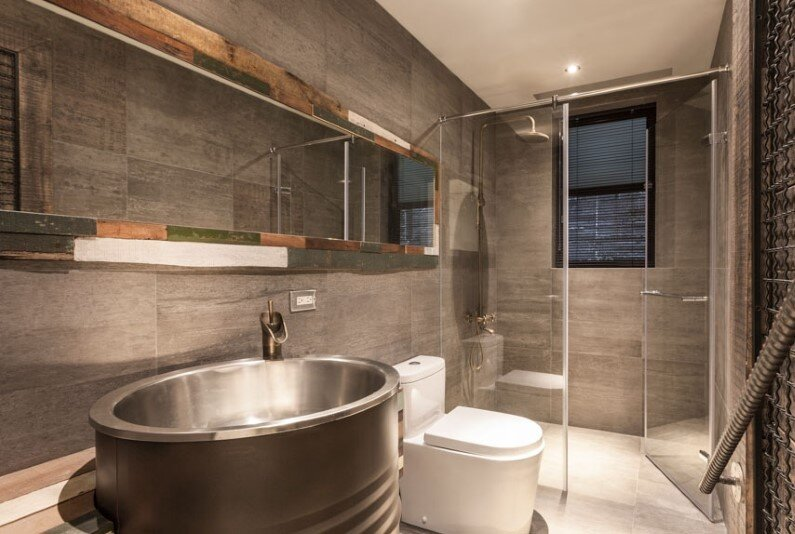 Bathroom - interior design based on industrial and vintage style