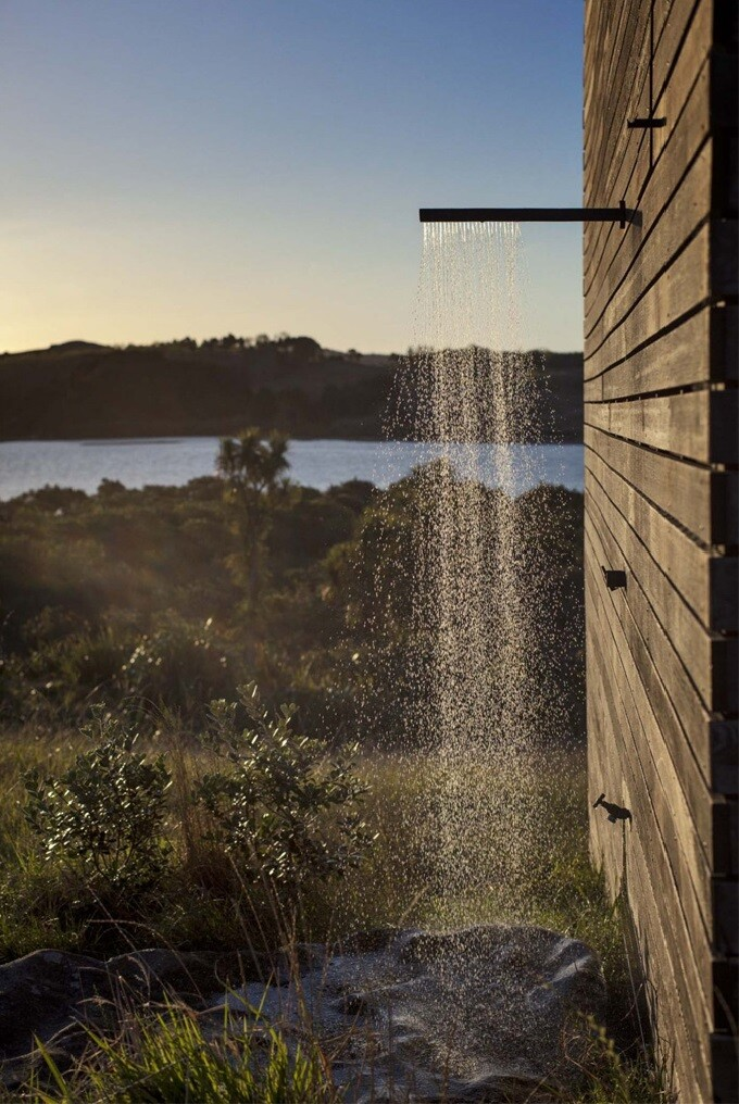 Eyrie authentic immersion in the wild nature - Cabin by Cheshire Architects - New Zealand