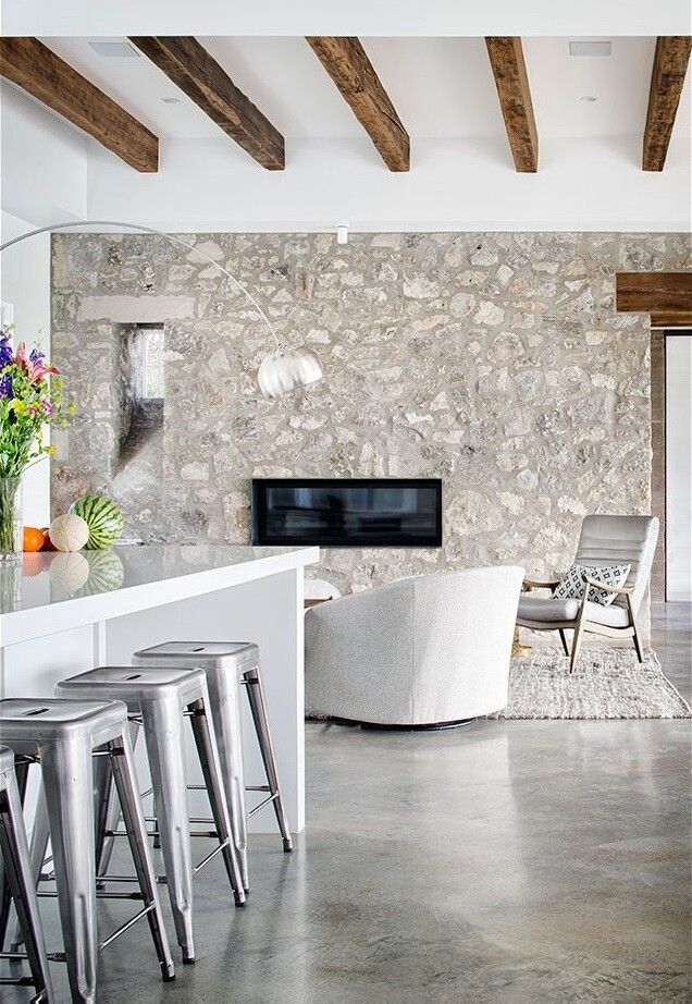Farmhouse - family home designed by Shiflet Group Architects in West Austin, Texas