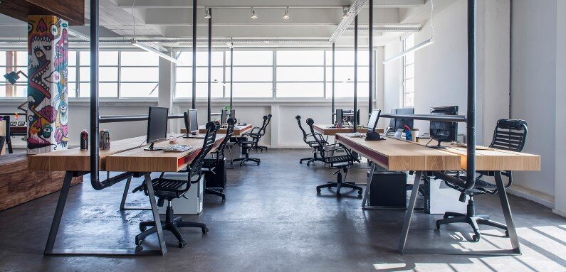 Industrial style workspace designed by architect Roy David (1)