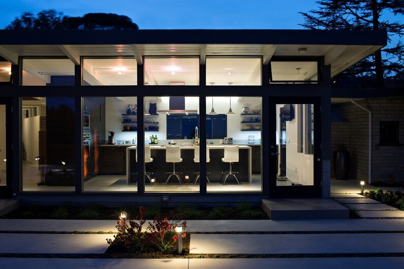 Mid-Century Modern View House in Silicon Valley