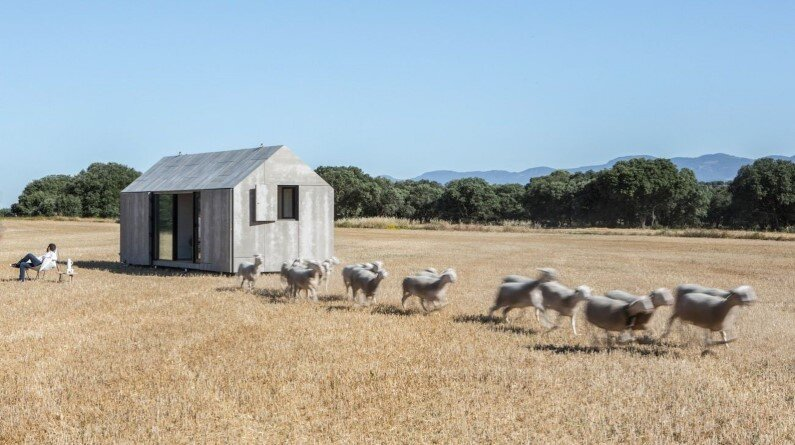 Portable house developed by Spanish architecture studio Ábaton