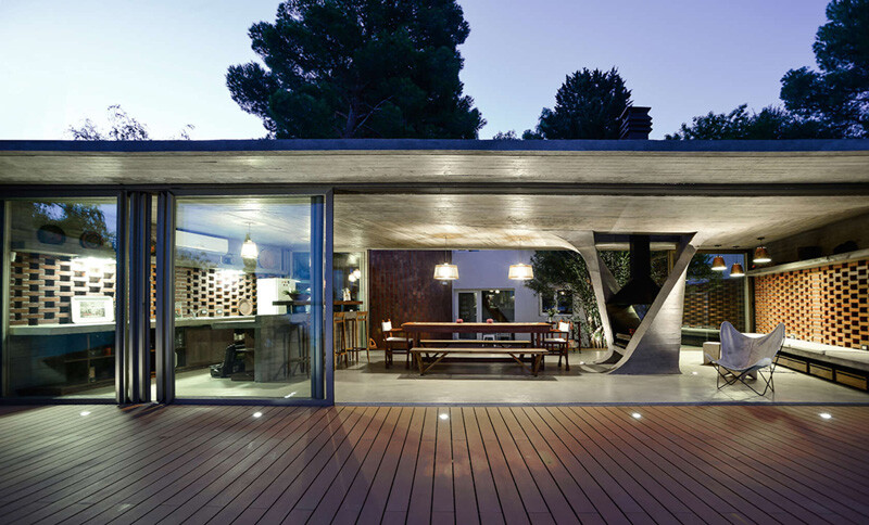 extension and renovation -summer house in Río Negro, Argentina - One Column House