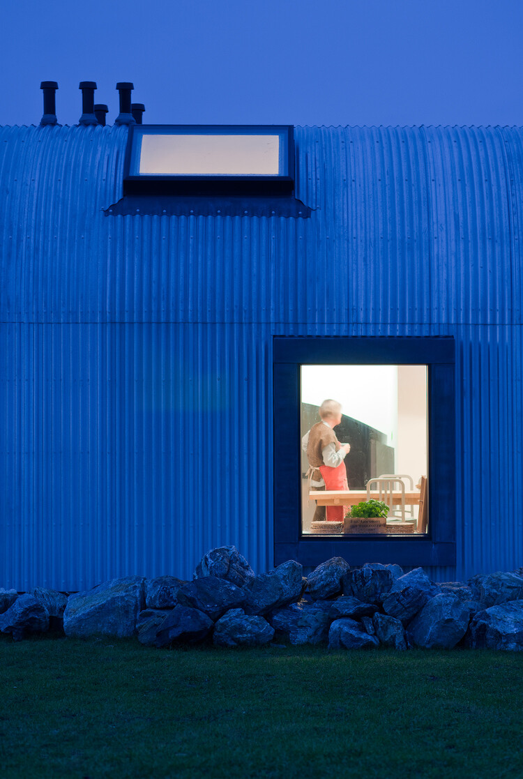 House inspired by traditional Scottish homes - House nr 7 by Denizen Works (4)