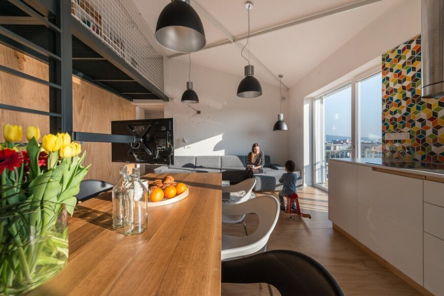 Industrial style in harmony with warm natural materials in a cozy loft by Rules Architects - Bratislava (15)