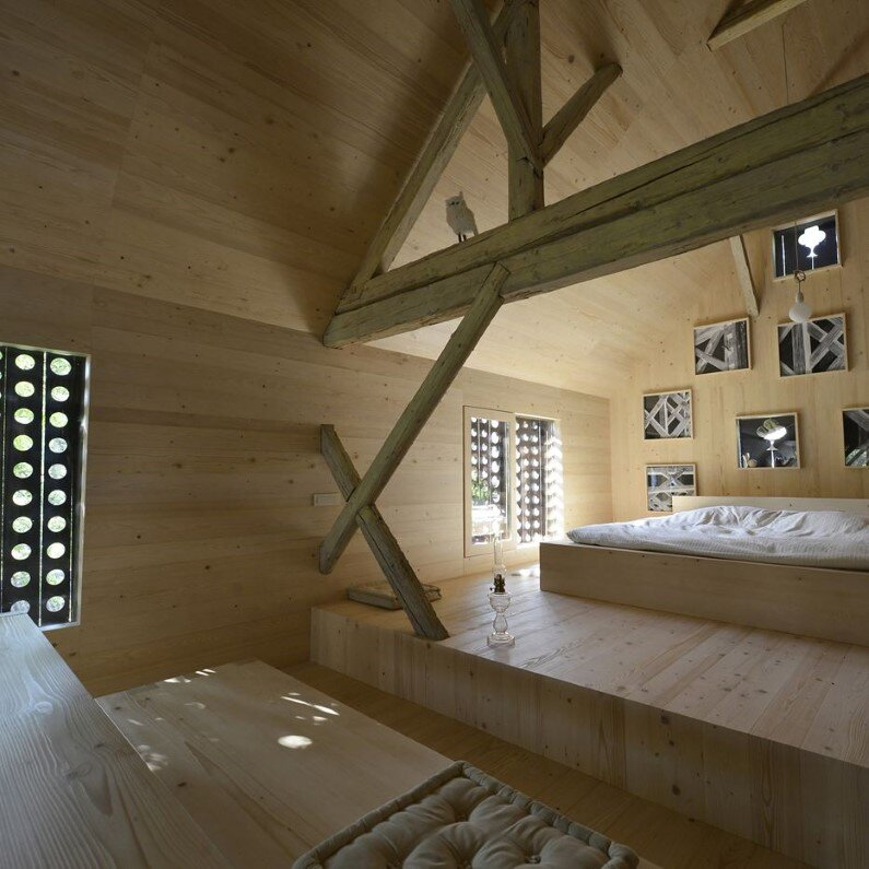 Old Alpine Barn revitalized by converting into a loft apartment (7)