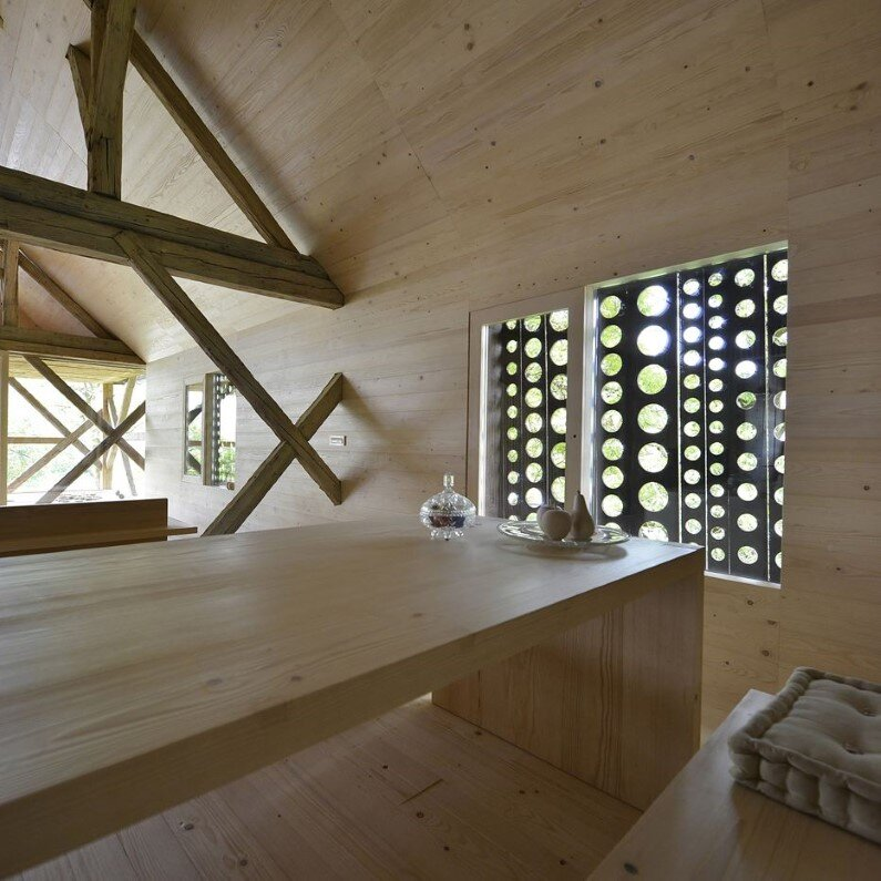 Old Barn revitalized by converting into a loft apartment (4)