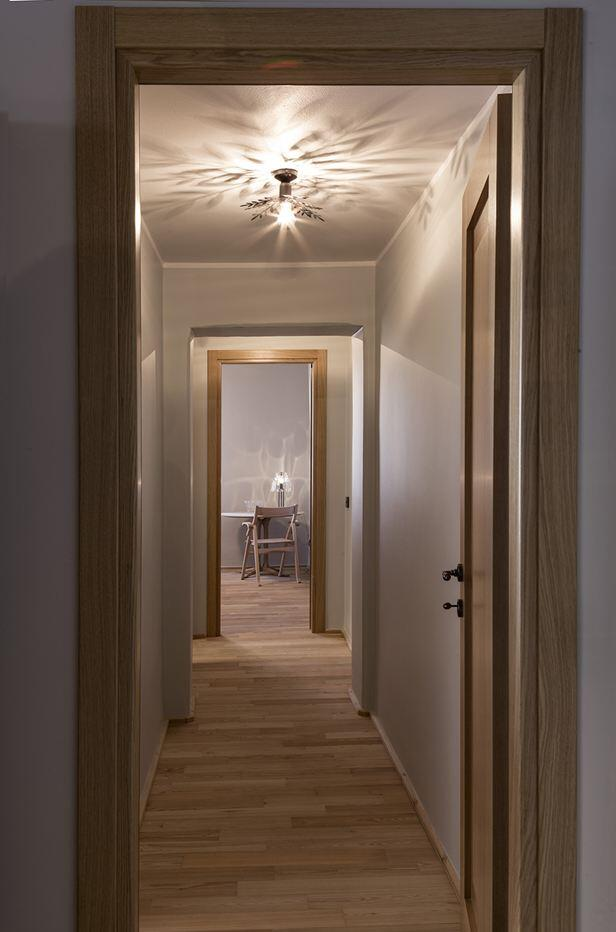 Old Milan apartment with reconditioned rustic interiors (10)