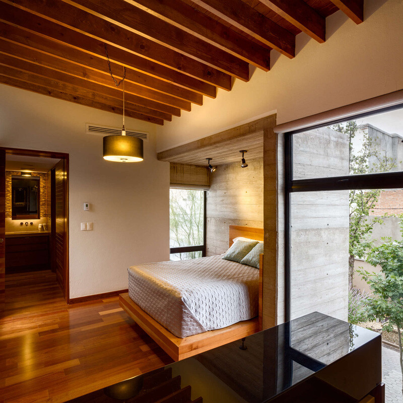 Old building transformed into a contemporary residence - Chihuahua, Mexico (12)
