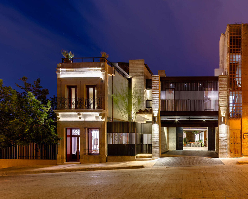 Old building transformed into a contemporary residence - Chihuahua, Mexico (2)