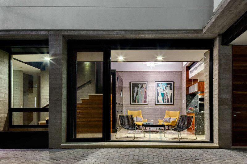 Old building transformed into a contemporary residence - Chihuahua, Mexico (6)