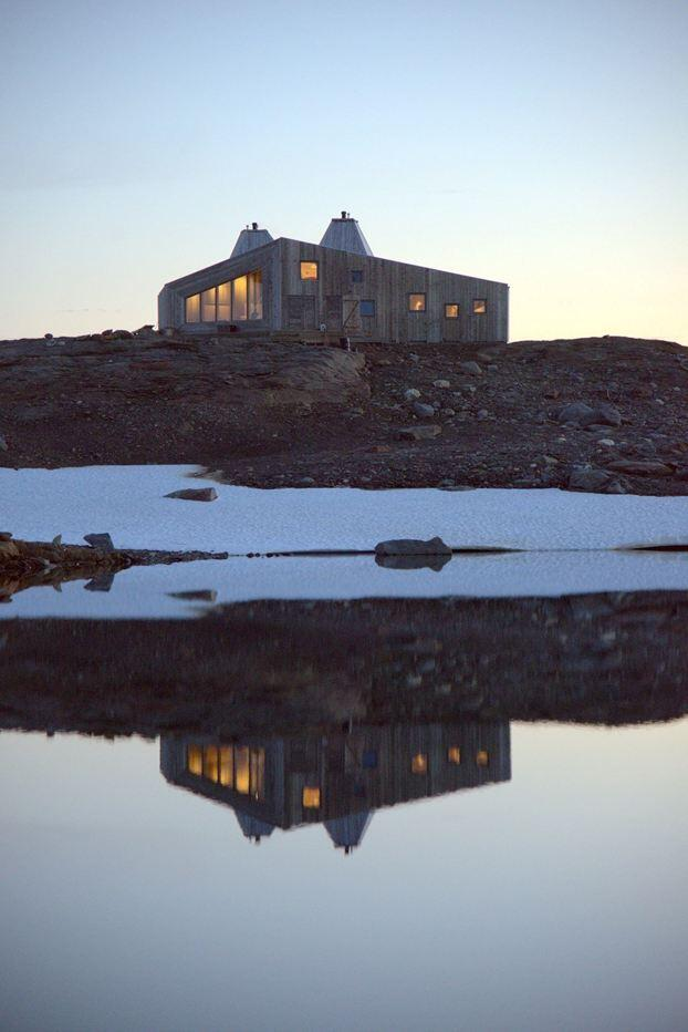 Rabot Tourist Cabin - close to glaciers in northern Norway (6)