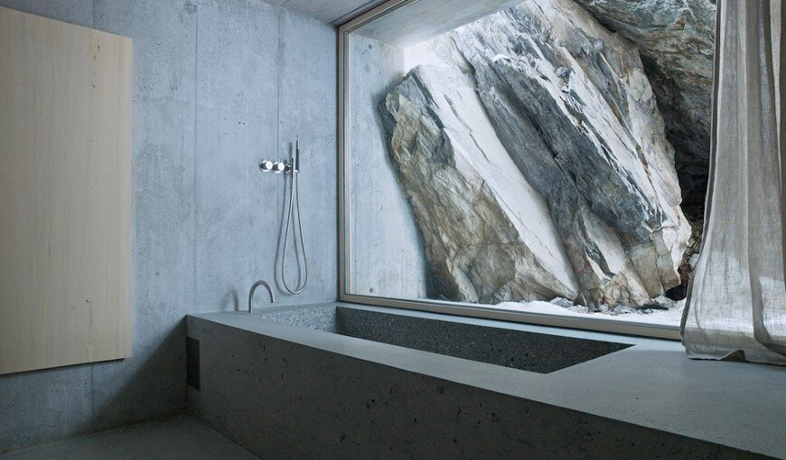 Refugi Lieptgas fascinating concrete cabin in the Swiss Alps (4)