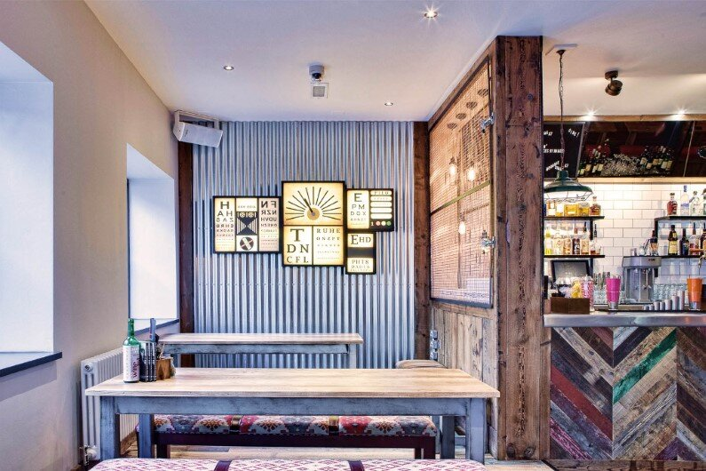 Crafty Pig Restaurant reflect street style of Manchester (7)