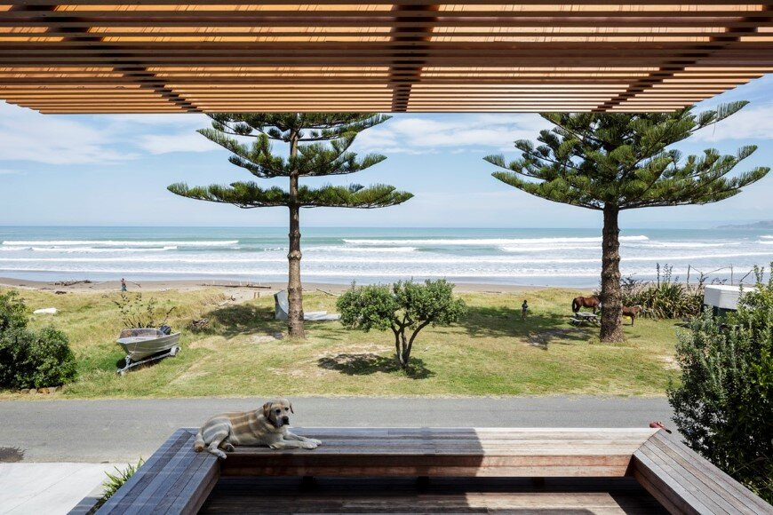 offSET Shed House is a beach house with a large opening to the sea (12)